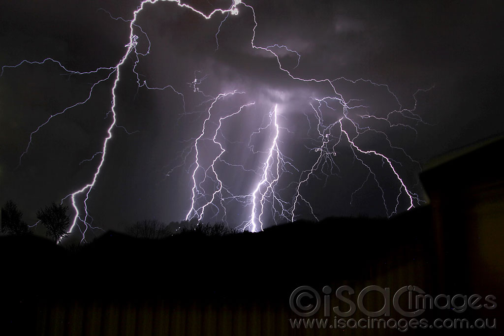 Click image for larger version  Name:Lightning-1st-March-2017.jpg Views:1 Size:76.7 KB ID:30366