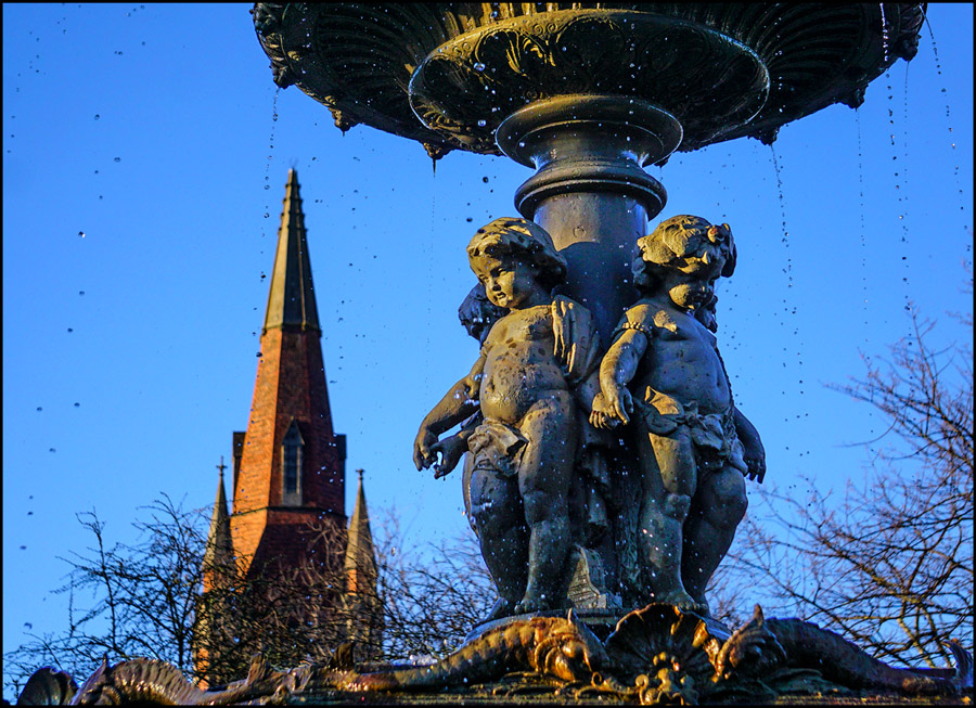 Click image for larger version  Name:Fountain cupids rs.jpg Views:1 Size:276.7 KB ID:30885