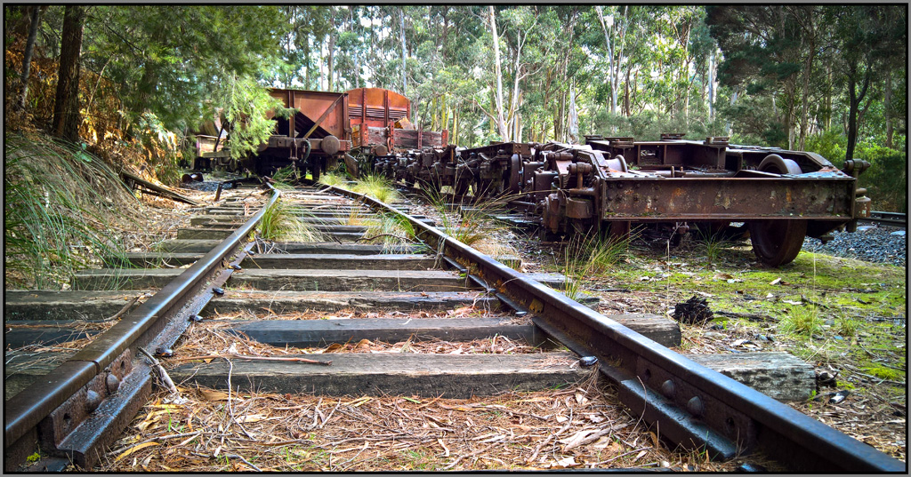 Click image for larger version  Name:train bits 2 .jpg Views:1 Size:474.5 KB ID:30997