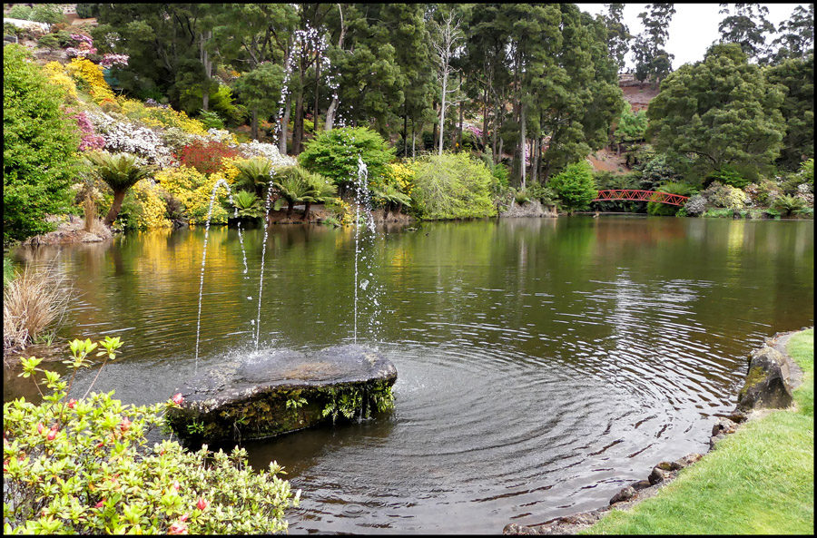 Click image for larger version  Name:Fountain .jpg Views:1 Size:324.6 KB ID:31271