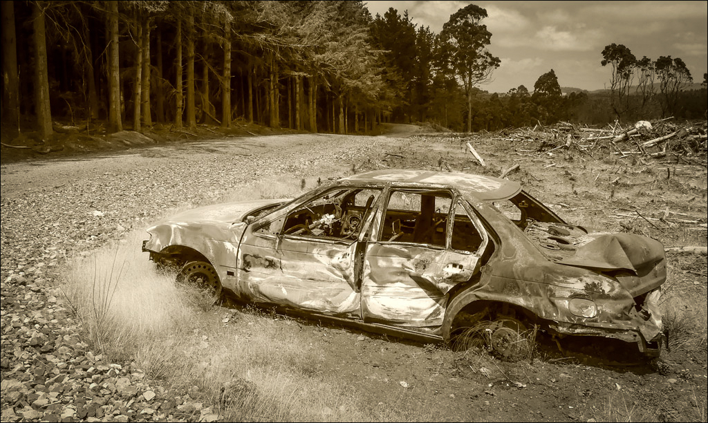 Click image for larger version  Name:Car wreck (1 of 1).jpg Views:1 Size:632.5 KB ID:31774
